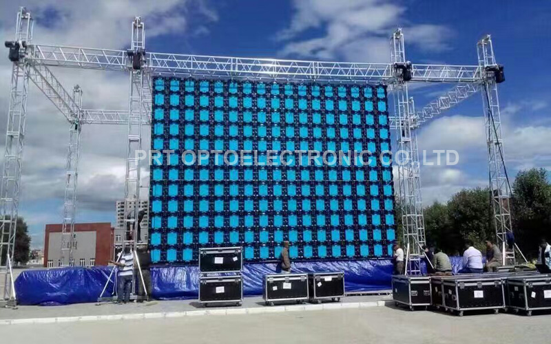 Pared de video LED publicitaria para exteriores P5 con panel de diseño de alquiler (640X640mm)